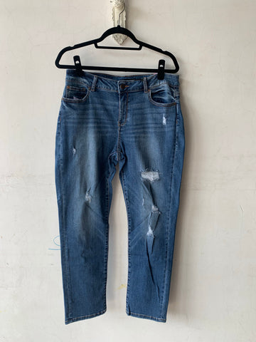 EN JEAN DISTRESSED STRAIGHT LEG JEAN