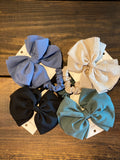 LOU AND CO BOW AND SCRUNCHIE SET