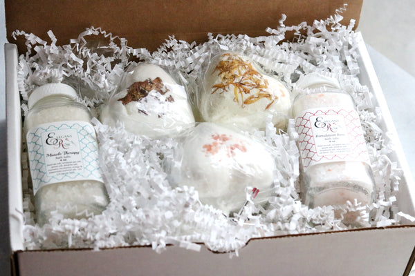 Valentine Bath Lover Gift, Bath Salt Gift, Spa Gift Set, Gift for Her, Bath Bombs, Bath Bomb Gift