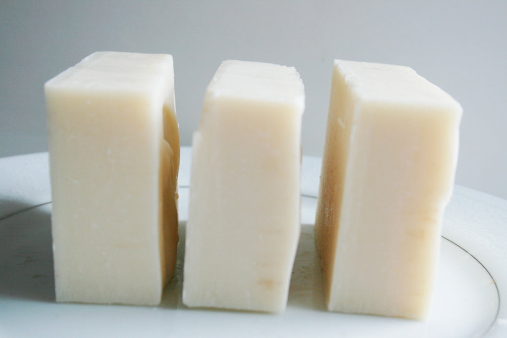 Babassu Oil Shampoo & Body Bar, No coconut, no palm - Clear Naturals - 2