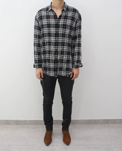 Load image into Gallery viewer, Checkend Distressed Flannel