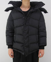 Load image into Gallery viewer, Swing Logo Puffer Black