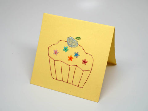 Yellow embroidered greeting card - cake