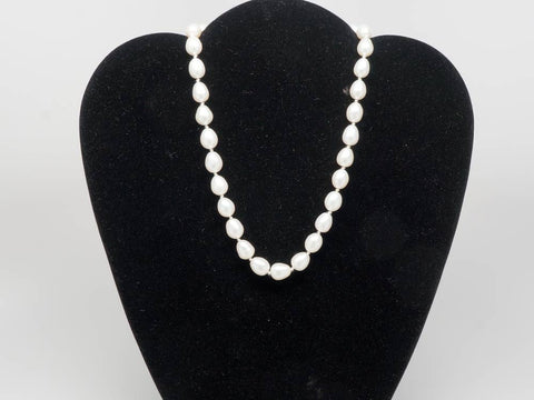 Real oval pearls necklace