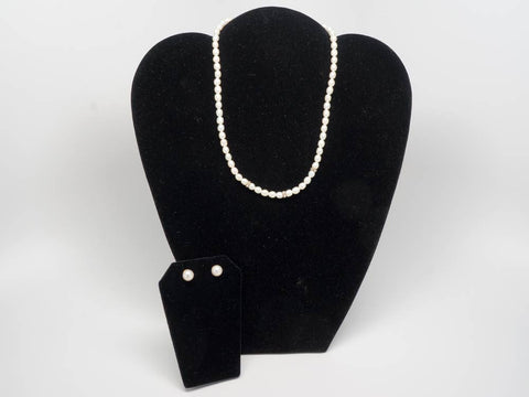 Real pearls necklace fine design