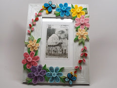 Paper filligree 3D handmade flower decorated photo frame