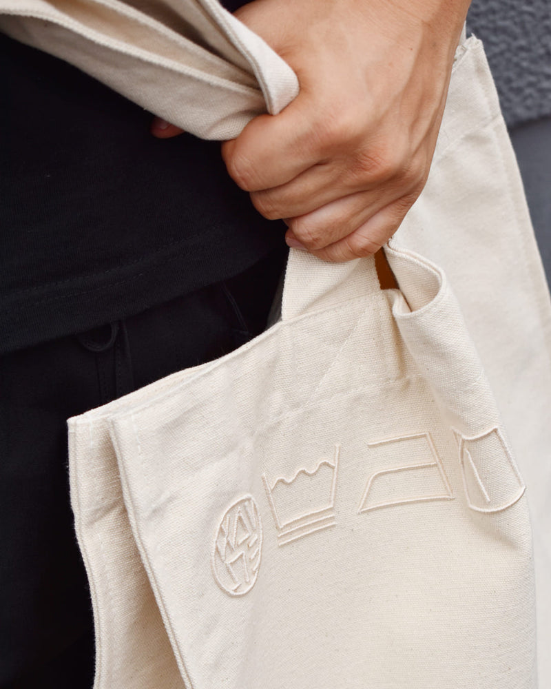 ICONIC EMBROIDERY TOTE