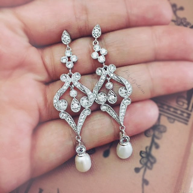 Ashley - Vintage Rhinestone Bridal Earrings