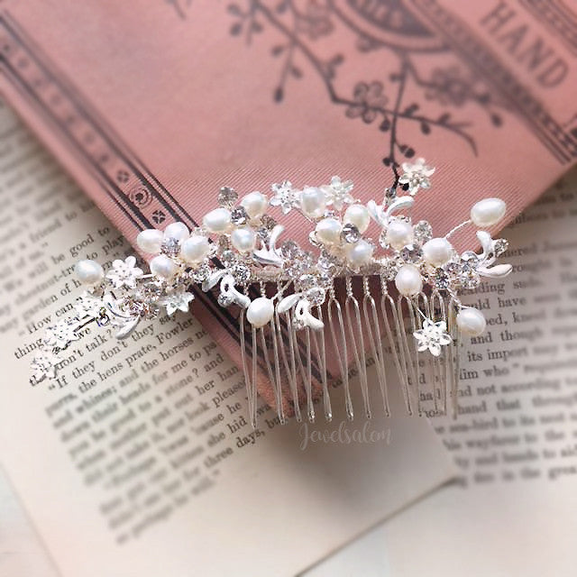 Kelly - Romantic Pearl Wedding Comb