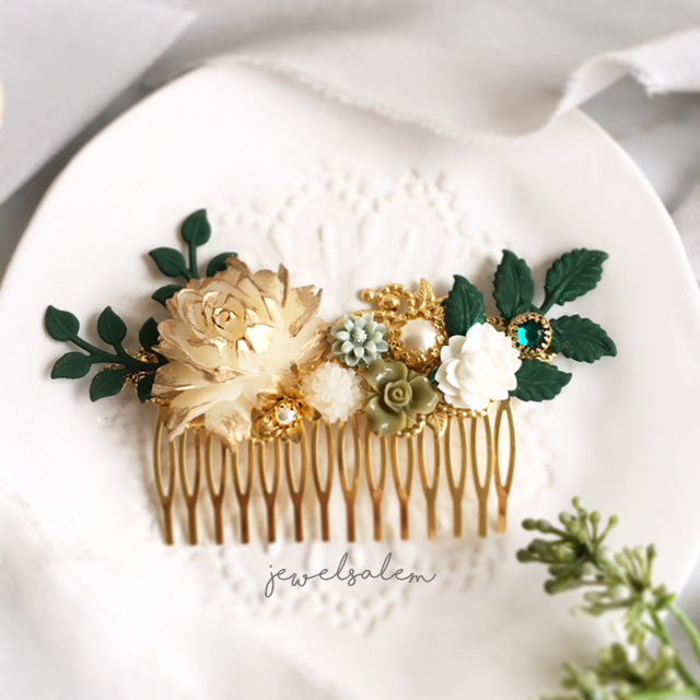 Alyssum - Greenery and Gold Wedding Hair Comb