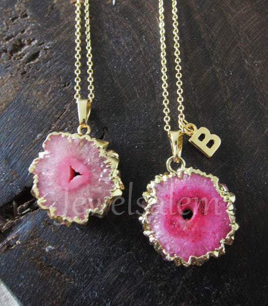Pink Necklace Magenta Crystal Necklace Raw Agate Slice Fuchsia Geode Statement Necklace Gift Gold Layered Necklace Rustic - Jewelsalem