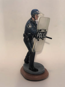 PE89174 Riot Control Cop (Shipping Included)