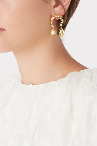 The Mini Leaf Garland Studs