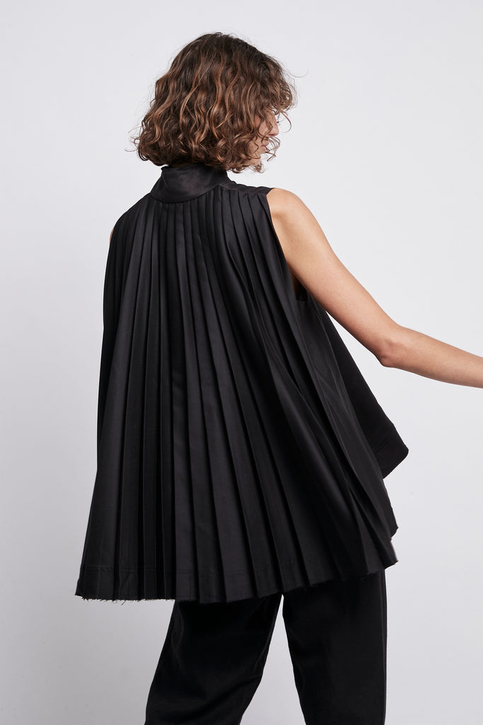 Exposed Pleated Top