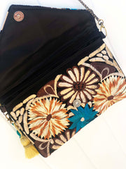 Embroidered Clutch-004