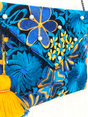 Embroidered Clutch-002