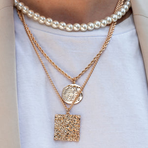 <h6><u>Shop Layered Necklaces</u></h6>