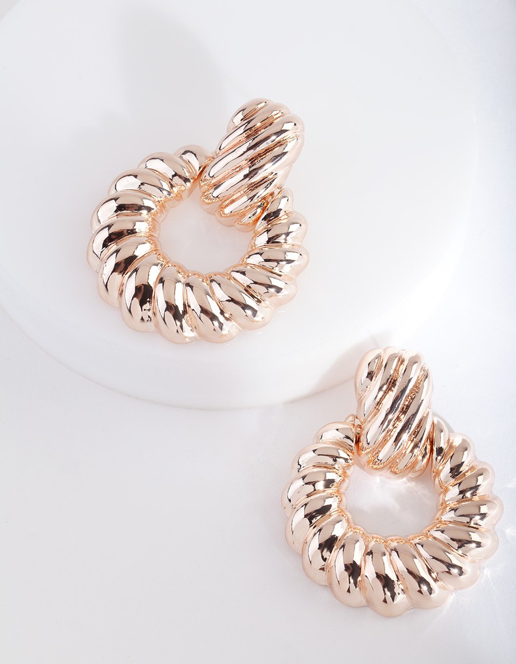 Rose Gold Swirl Circle Earring