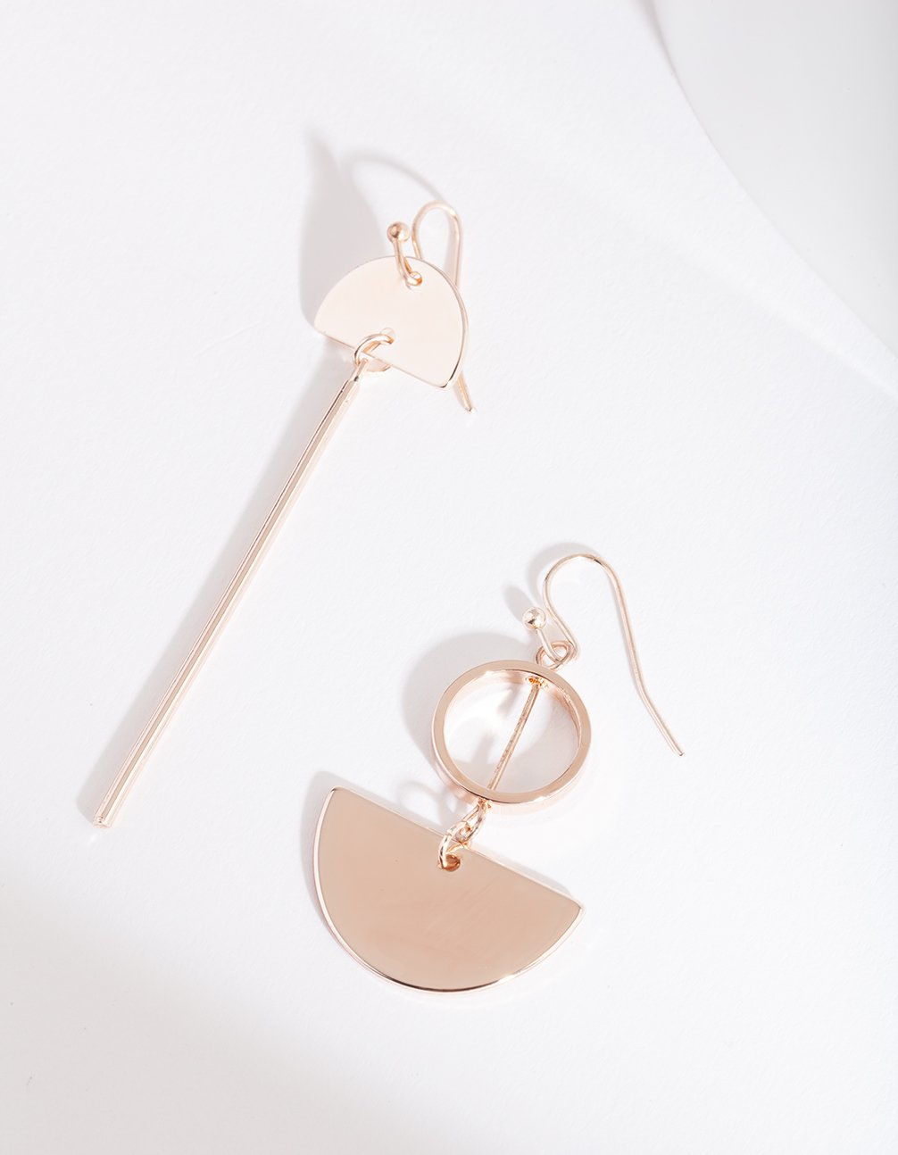 Rose Gold Circle Stick Earring