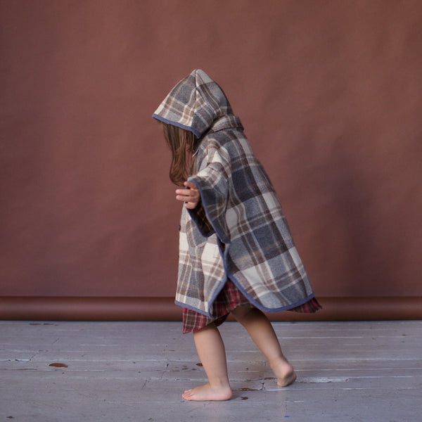 HOODED - CAPE - HEAVY FLANNEL