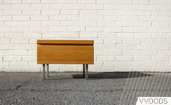 Amenity Home: Muir End Table ...