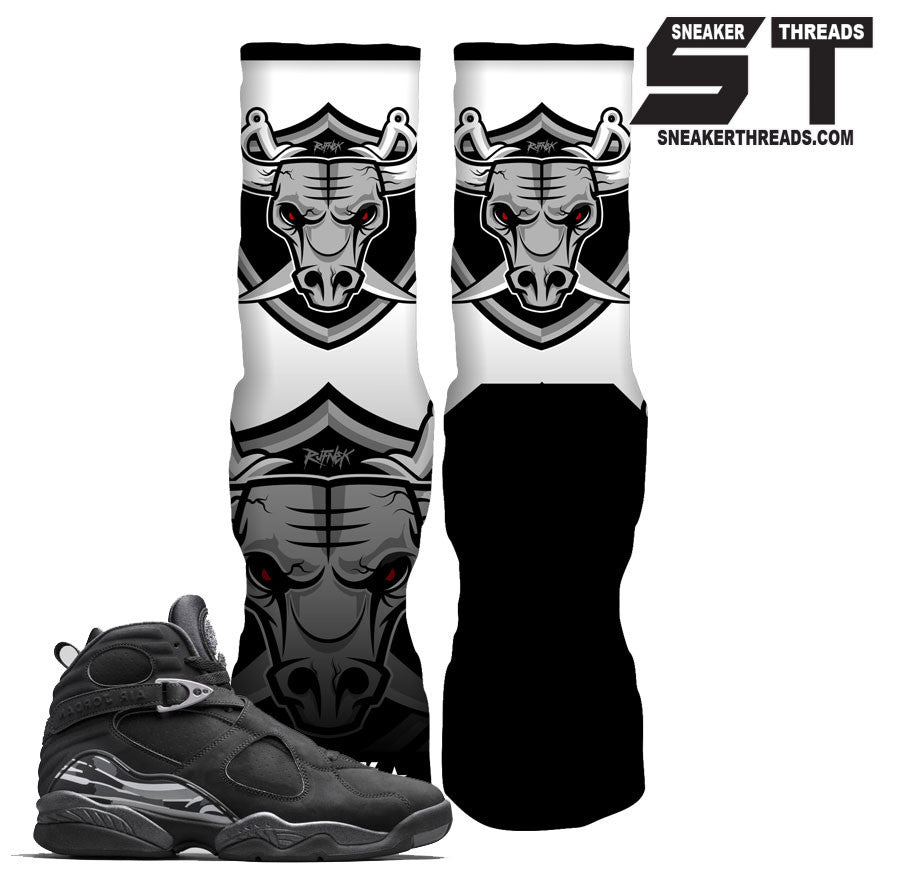 Socks to match Jordan 8 chrome black. Fresh new elite socks.