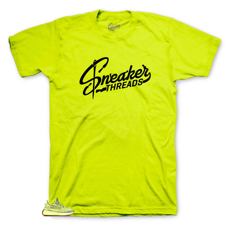 Sneaker tees match Yeezy semi frozen yellow sneakers