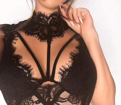 f323a980a91 JULISSA MO Sexy Crochet Lace Crop Top Women Tops 2019 Hollow Out Streetwear  Summer Choker Bandage