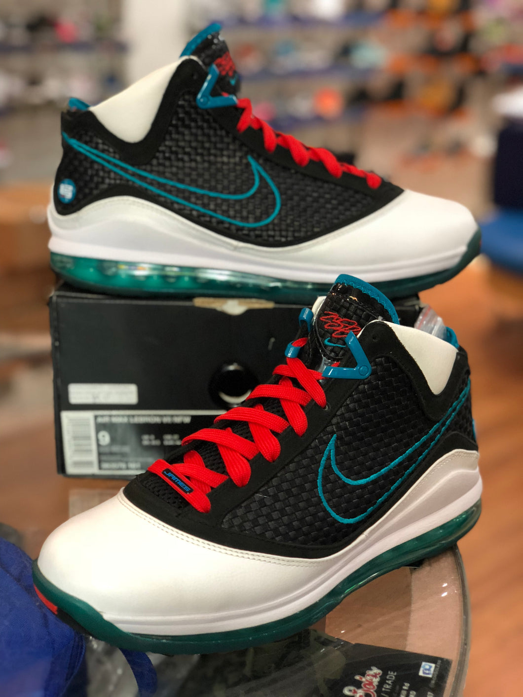 Red Carpet Lebron 7s size 9