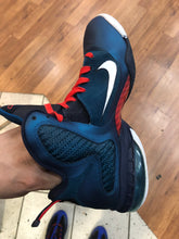 Load image into Gallery viewer, Swingman Lebron 9s size 9.5