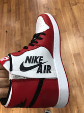 Load image into Gallery viewer, Brand new Chicago Rebel 1s size 8