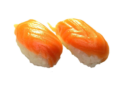 11) Salmon (2pieces)