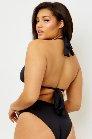 Frankies Bikinis Veronica Black Triangle Top Extended Size