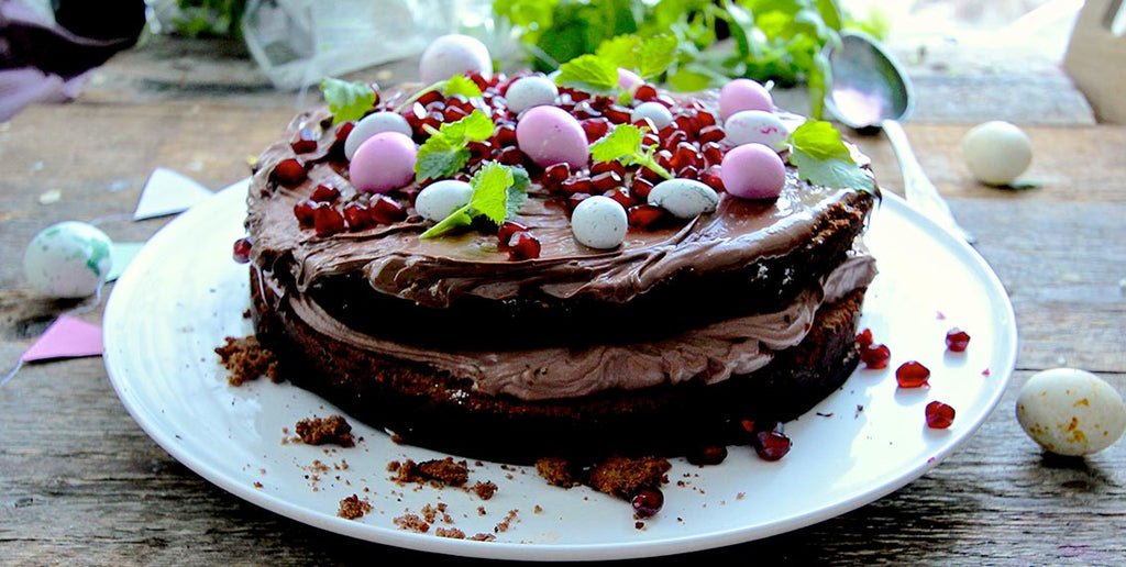 EASTER CAKE WITH CHOCOLATE AND COFFEE