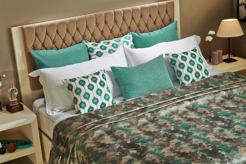 Aqua Blue Bedspread and Pillowcases Set