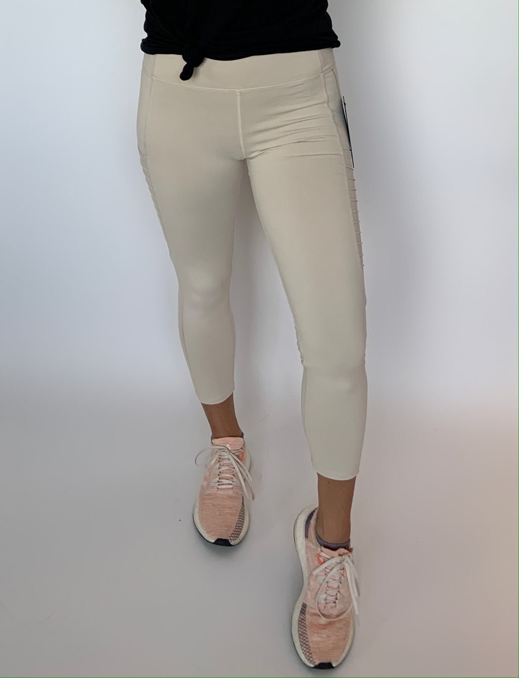Natural Mid-Rise Capri Leggings