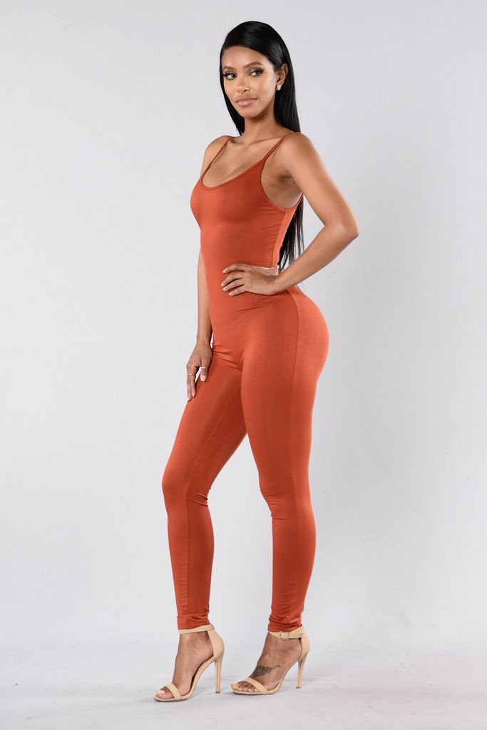 Solid Round Neck Sleeveless Backless Slim Jumpsuit
