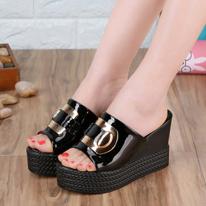 Metal Decoration on PU Leather Straps Rubber Platform Wedges