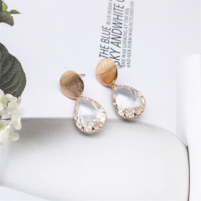 Transparent Irregular Crystal in Prong Setting Drop Earrings