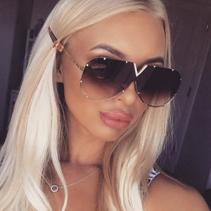 Oversized Mirror Lens V Top Bar Rivets Aviator Sunglasses