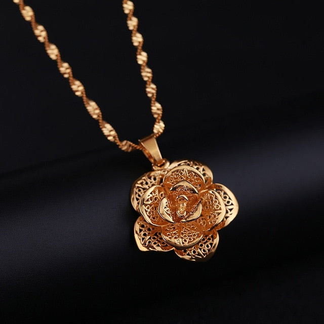 Hollow Flower Pendant Water Wave Chain Necklace