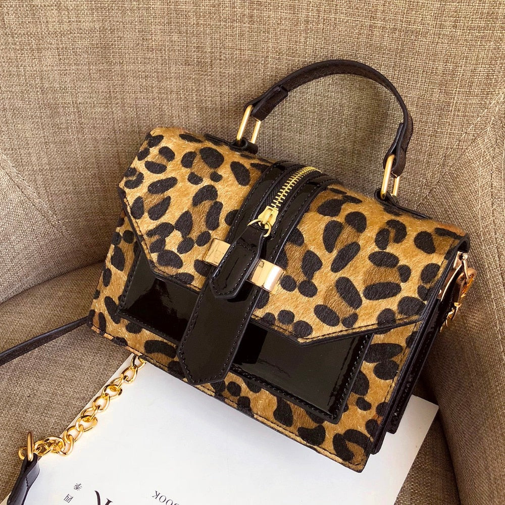 Leopard Pattern with Zipper Decoration Chain Handbag
