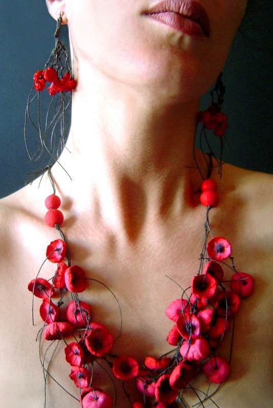 Granada-Poppy Necklace