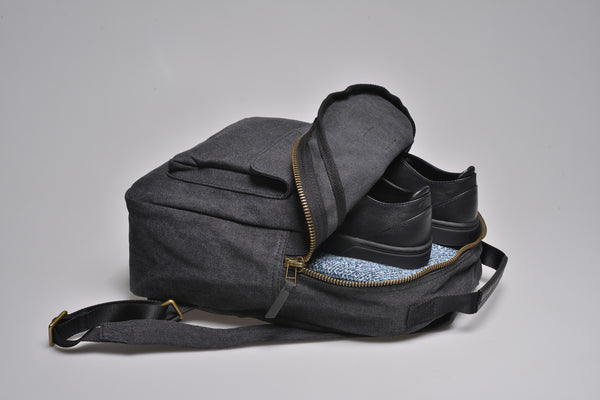 """Berlin"" Canvas Regular Backpack / Brown"