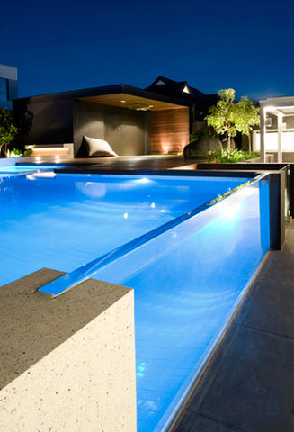 Glass walled pool-Pool Seat Blog