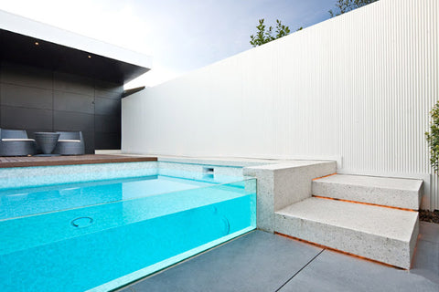 Glass walled Pool-Liquidseat