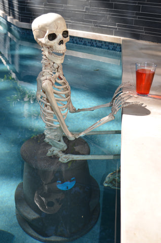 Decorate your pool for Halloween