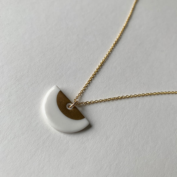Porcelain Gold Ora Necklace by One & Eight