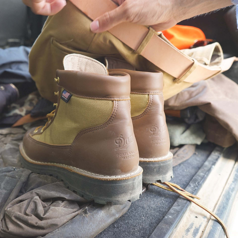 Danner Ridge, Tan/Grey - Ball and Buck