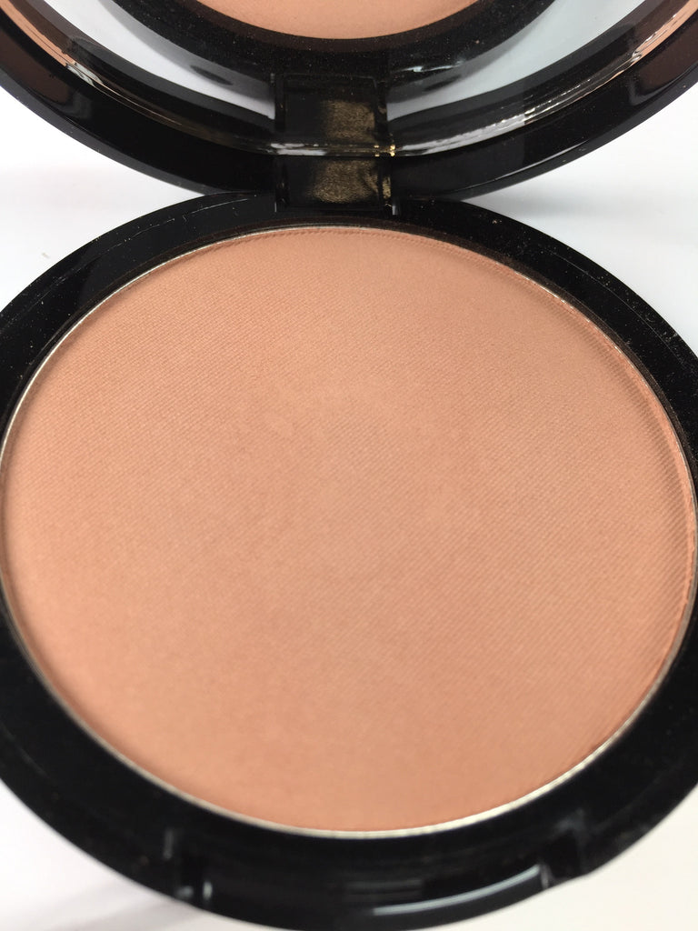 THE Bronzer in Medium (Matte)- OMG Bronzer!